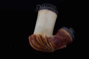 Coloration partielle d'une pipe en écume