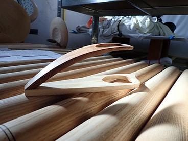 Pose-pipe en bois